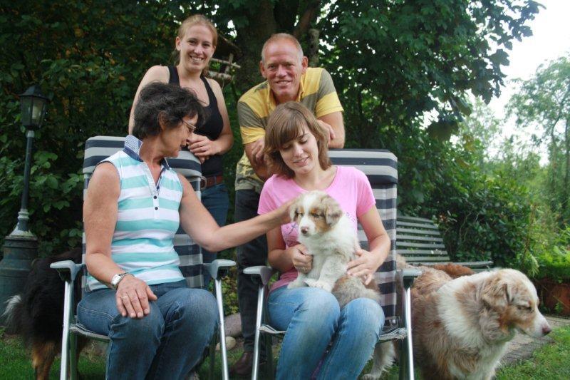 Foster woont nu bij Natascha, Henriette en Henry in Den Dolder
